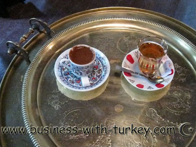 Turkish tea with 'Simit' (tipic Turkish snack)